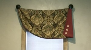 Swag Valance with Buttons